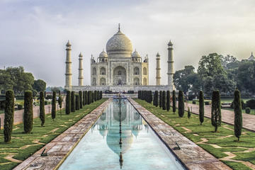 Same Day Taj Mahal Trip from Mumbai including Flights