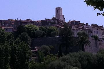 Tour privato: tour di un giorno ad Antibes, St Paul de Vence, St