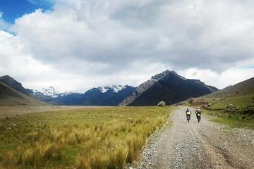 Excursión de medio día en bicicleta de montaña a Pachacamac desde Lima