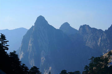 Xi'an Huashan Mountain Adventure Day Tour