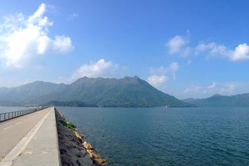 4-Hour Tolo Harbour Biking Adventure in Hong Kong