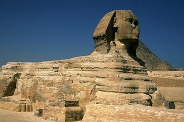 Escapada privada de un día con guía a las pirámides de Gizeh, Saqqara...