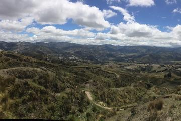 Private 3-Day Quilotoa Lagoon and Baños Hot Springs from Quito