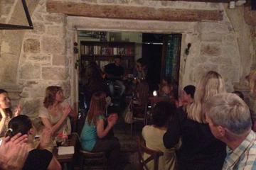 Noite de vinho e queijo da Dalmácia...