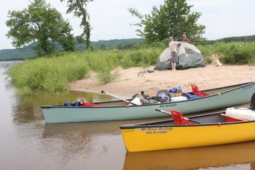 Day Trip Self-Guided Wisconsin Canoe Expedition: 35 Miles near Madison, Wisconsin