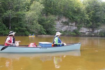Day Trip Self-Guided Wisconsin Canoe Expedition: 92 Miles near Madison, Wisconsin
