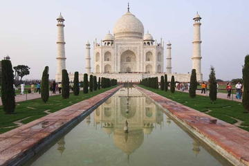 Taj Mahal Same Day Tour From Mumbai To Delhi By Air