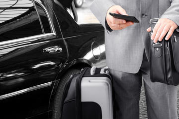Day Trip Private Transfer: Downtown Hotel to Toronto Pearson International Airport near Toronto, Canada