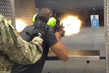 Séance de tirs à la mitraillette avec Humvee militaire à Las Vegas