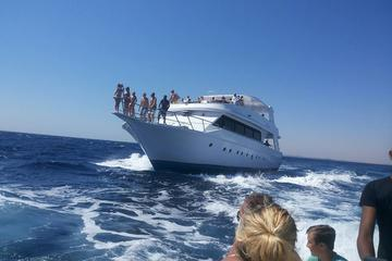Snorkeling Trip Round Utopia Island