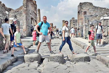 Small-Group Tour of Pompeii for...