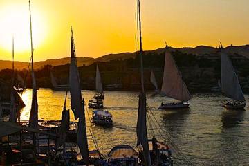 Crucero en falúa de 1 hora al atardecer por el Nilo en El Cairo