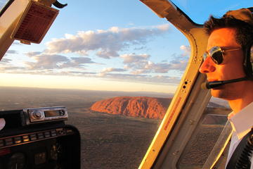 ウルル(エアーズ ロック)ヘリコプター遊覧飛行(カタ ジュタのアップグレード…