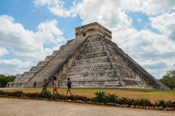 Chichen Itza and Zaci Cenote Private Photography Tour