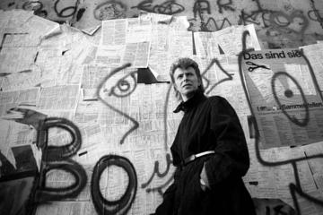 Berlin Small-Group Half-Day Walking Tour: David Bowie and the End of...