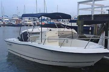 Book 21' Center Console Boat Rental in Riviera Beach Marina on Viator