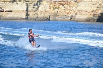 Wakeboard ou esqui aquático saindo de Vilamoura