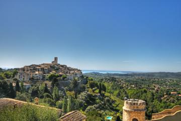 Small-Group Half-Day Tour to St-Paul-de-Vence, Antibes and Cannes...