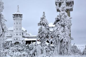 Full-Day Skiing for Beginners on Klínovec Tour from Prague