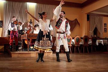 Noche de folklore con cena tradicional checa en Praga