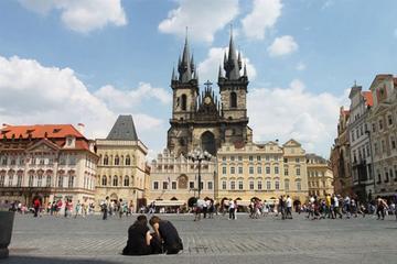 Servizio di trasferimento con mezzi privati da Praga a Hradec Králové