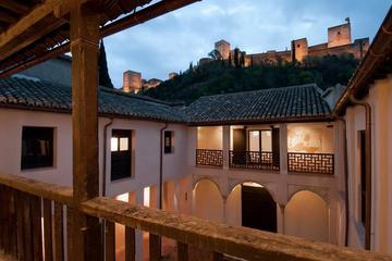 La Alhambra y los palacios del...