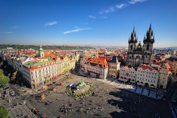 Visite de la ville de Prague, avec déjeuner en tramway et croisière...