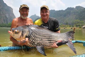 Día completo de pesca en el complejo turístico del lago de agua dulce...