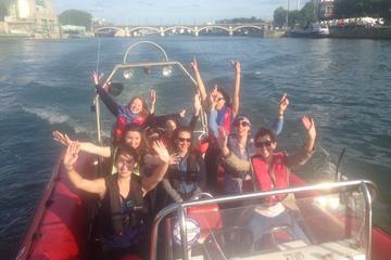 1 Stunde Schnellboot in Paris mit 20 Minuten Geschwindigkeitserlebnis