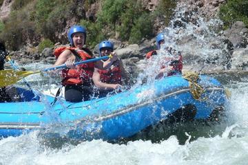 Aventura de rafting y tirolina en Cuzco