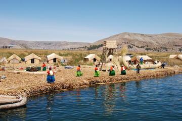 Excursión de un día por el lago Titicaca