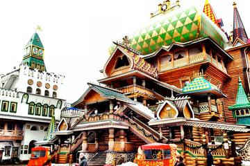 Izmaylovo-Flohmarkt und Kreml in Izmaylovo