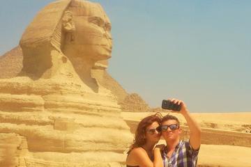 Halvdagstur til pyramiderne i Giza og...