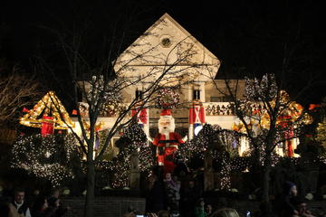 Day Trip Christmas Lights in Dyker Heights Brooklyn near New York, New York