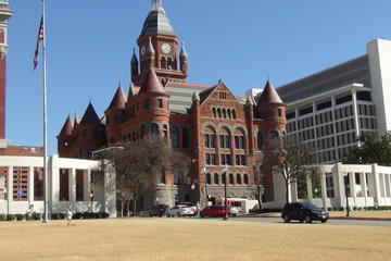 Dallas City Highlights 75-Minute Small-Group Tour by Minivan