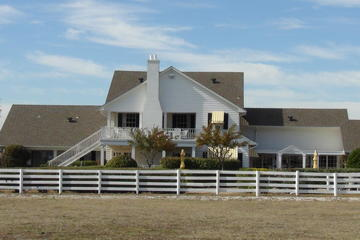 Day Trip Small-Group Tour: Southfork Ranch and the Series Dallas near Dallas, Texas