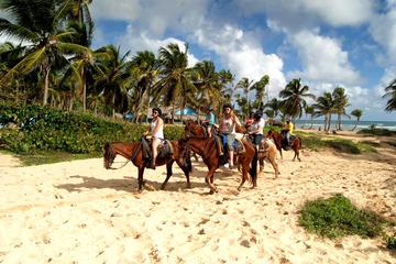 Passeio a cavalo de aventura em Punta Cana