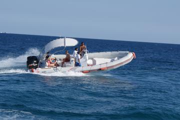 Ganztägiger privater Schnellboot-Trip mit Schnorcheln ab Hurghada