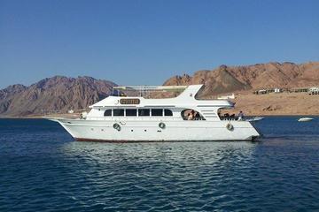 Gita in barca di un giorno o di mezza giornata a Dahab