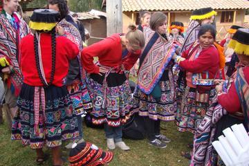Presentatie van stoffen uit de Andes ...