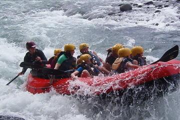 El rafting en el río Sarapiquí de clase III - IV