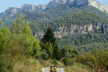 Catalunya Cycling Excursion with Catalan Lunch