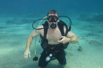 Discover scuba diving  for beginners in Athens
