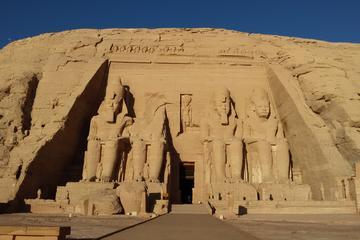 Private Führung: Ausflug zu den Tempeln von Abu Simbel ab Assuan