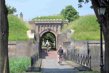 Visite personnalisée en vélo dans la campagne hollandaise, au départ...