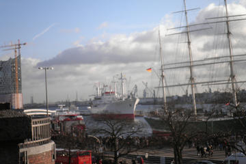 Recorrido guiado en autobús: Puntos de interés de Hamburgo