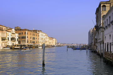 Private Limousine Transfer Venice Airport to Venice City Center by...