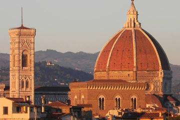 Excursión guiada de día completo para grupos pequeños de los Uffizi y...