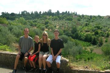 Promenade à pied au pied des collines de Florence, avec déjeuner...
