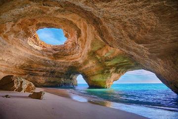 Excursão pelas cavernas de Benagil...